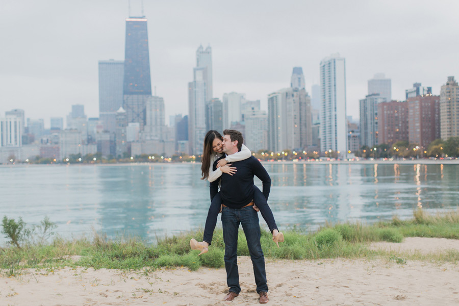 chicago-autumn-engagement-photo-014