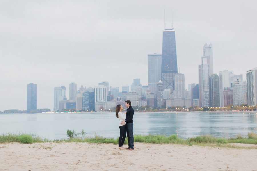 chicago-autumn-engagement-photo-018