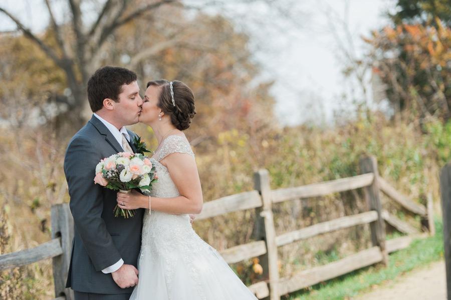 byron-colby-barn-wedding-009