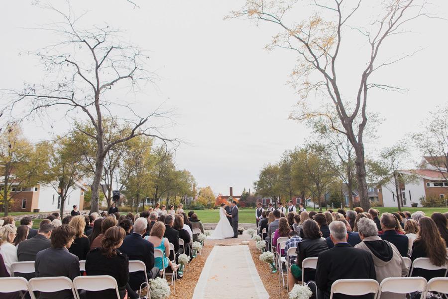 byron-colby-barn-wedding-032