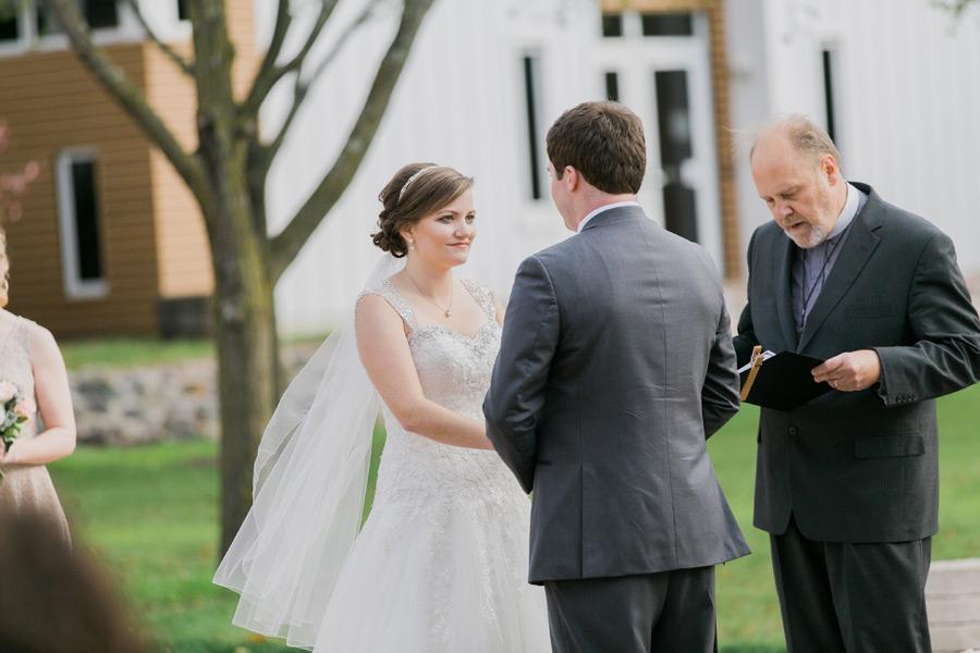 byron-colby-barn-wedding-033