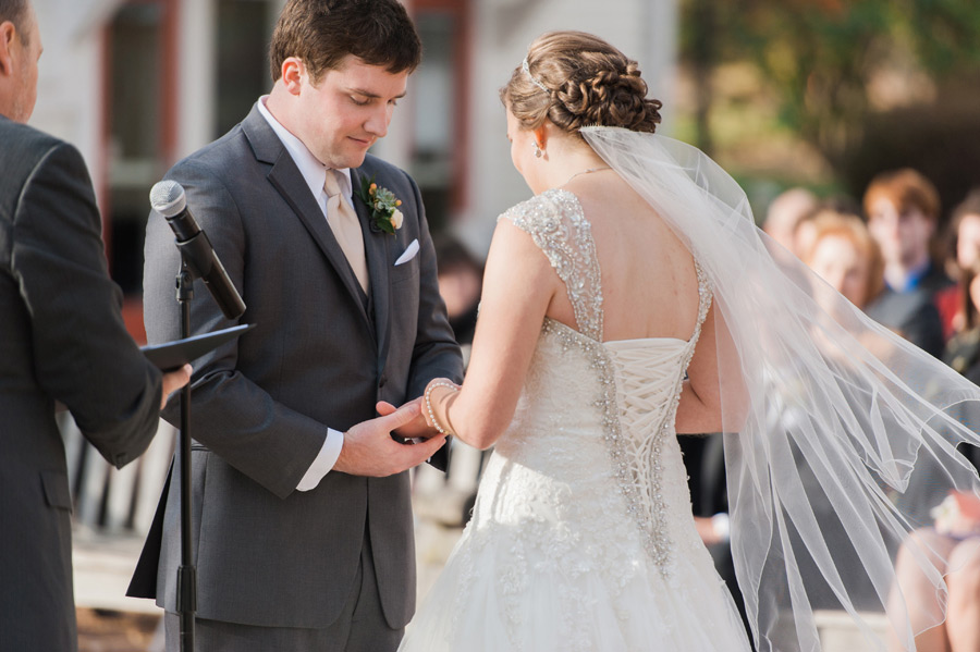 byron-colby-barn-wedding-037