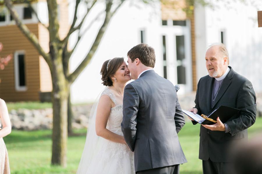 byron-colby-barn-wedding-038