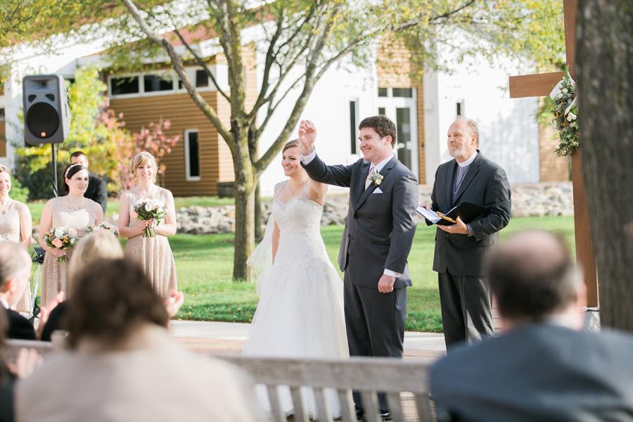 byron-colby-barn-wedding-040