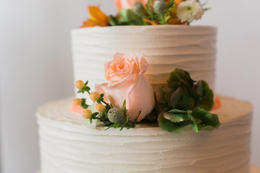 byron-colby-barn-wedding-044