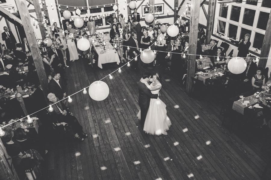 byron-colby-barn-wedding-055