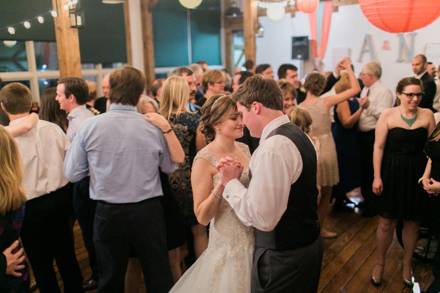 byron-colby-barn-wedding-059