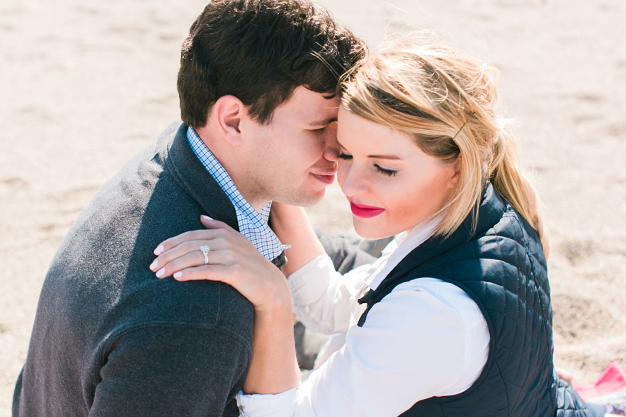 lake-forest-engagement-photos-002