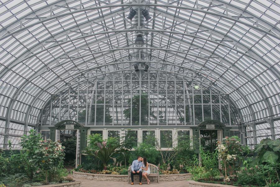 garfield-park-conservatory-engagement-001