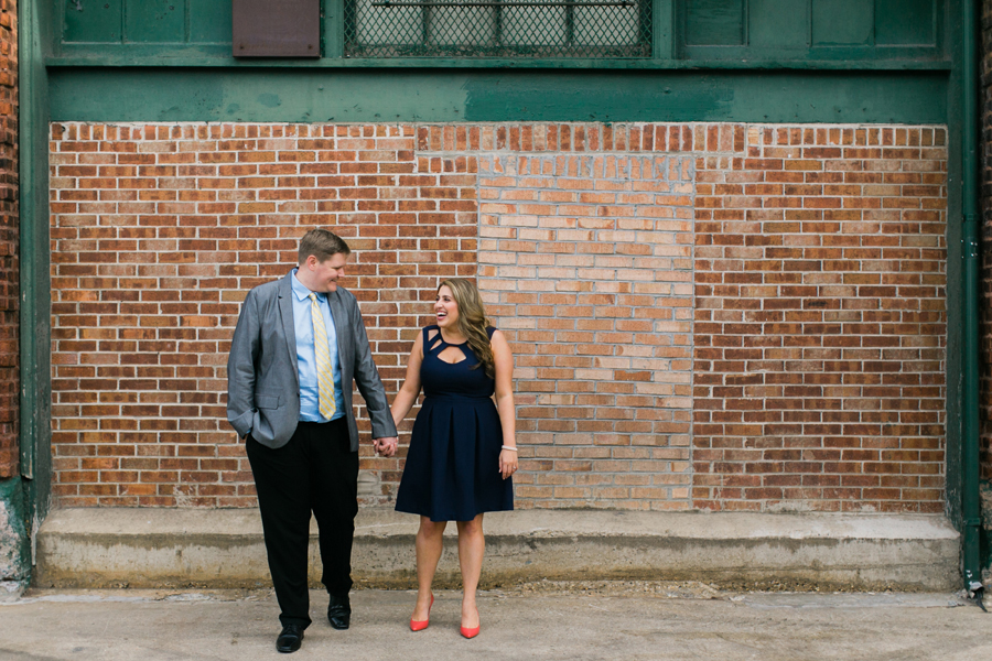 west-loop-chicago-engagement-004