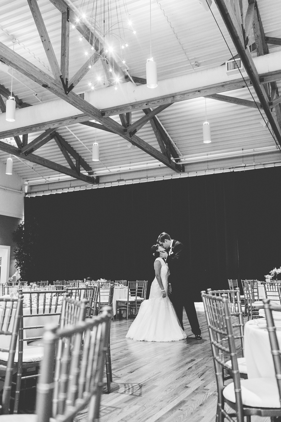 metropolis-ballroom-wedding-035