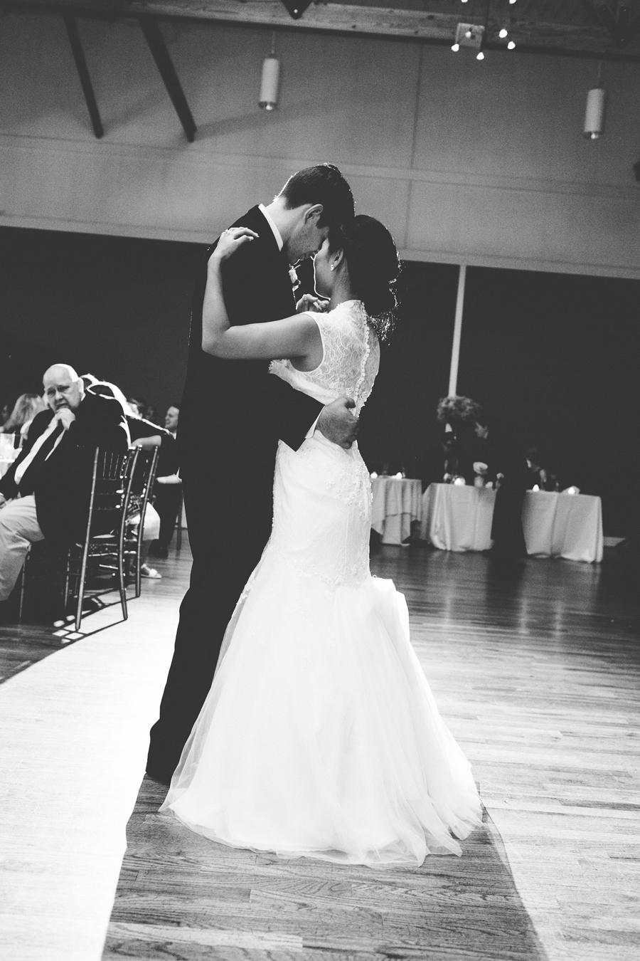 metropolis-ballroom-wedding-038