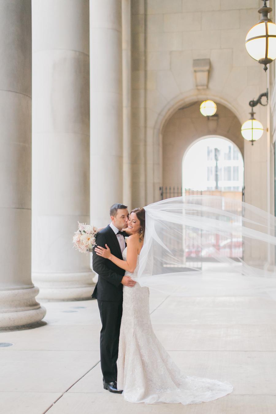 chicago-union-station-wedding-photos-011