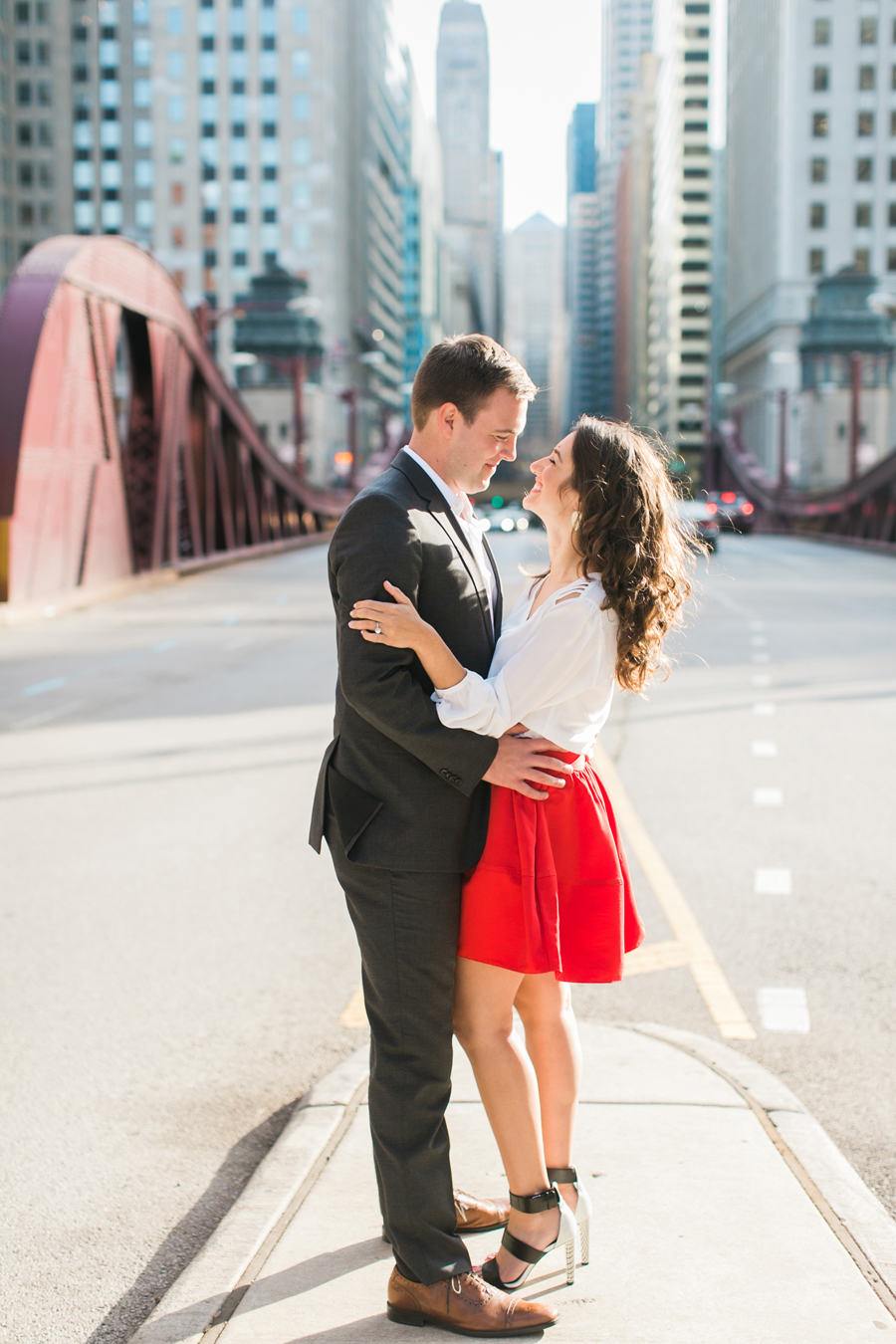 downtown-chicago-engagement-photos-002