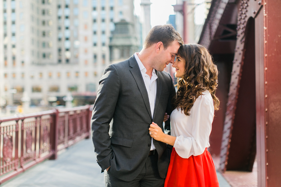 downtown-chicago-engagement-photos-003