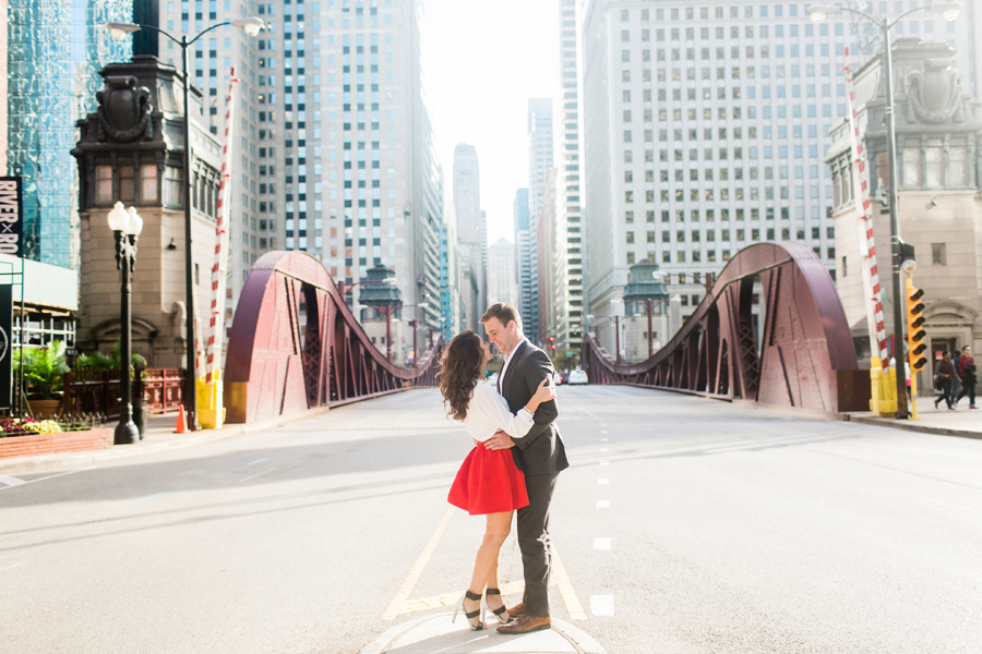 downtown-chicago-engagement-photos-007