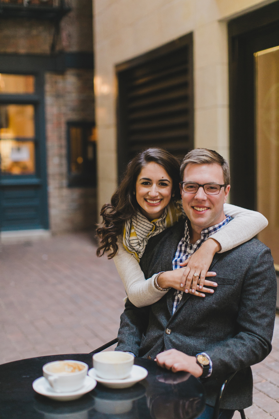 chicago-coffee-shop-engagement-photos-005
