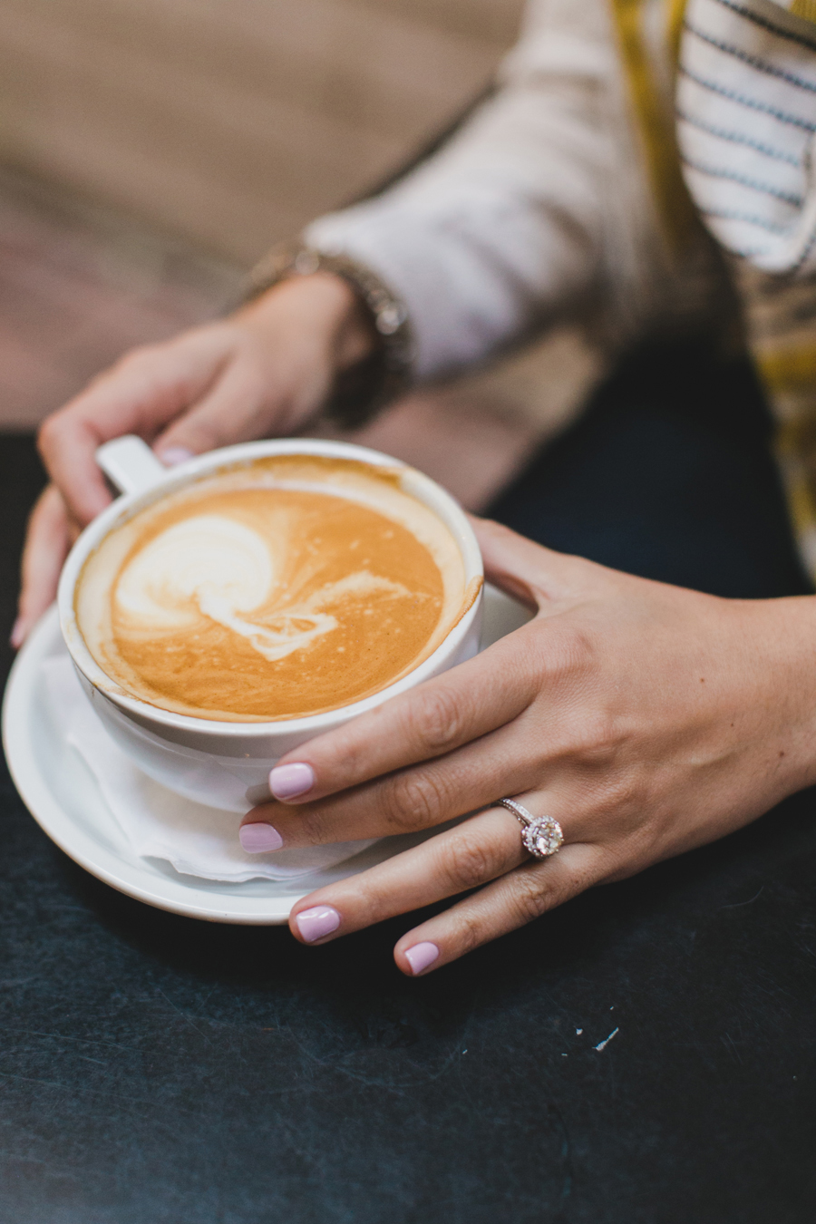 chicago-coffee-shop-engagement-photos-003