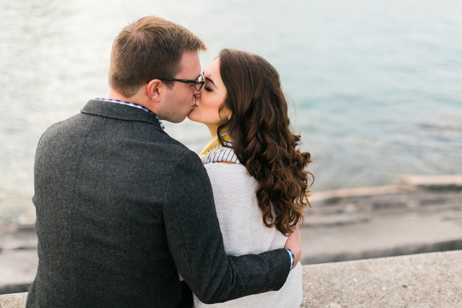 chicago-coffee-shop-engagement-photos-013