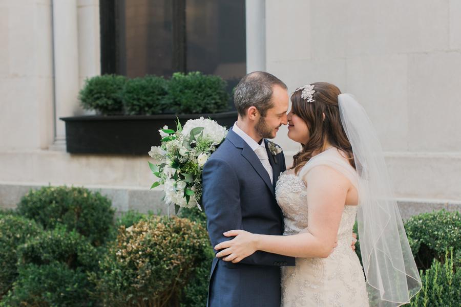 intimate-restaurant-wedding-chicago-011