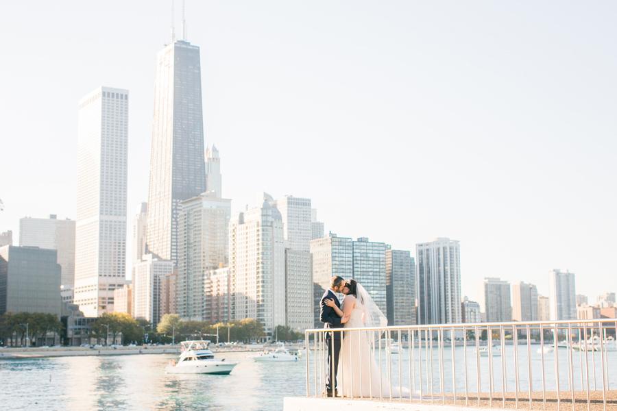 intimate-restaurant-wedding-chicago-023