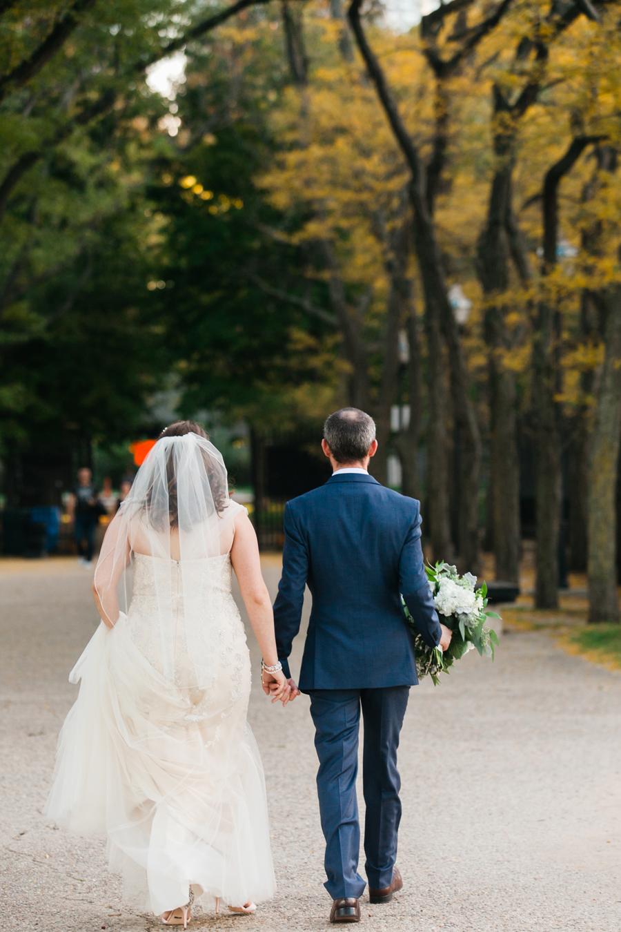 intimate-restaurant-wedding-chicago-030