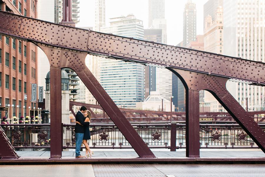 sunrise-chicago-engagement-photos-008
