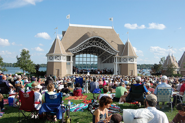 Lake Harriet Bandshell ( Image ).