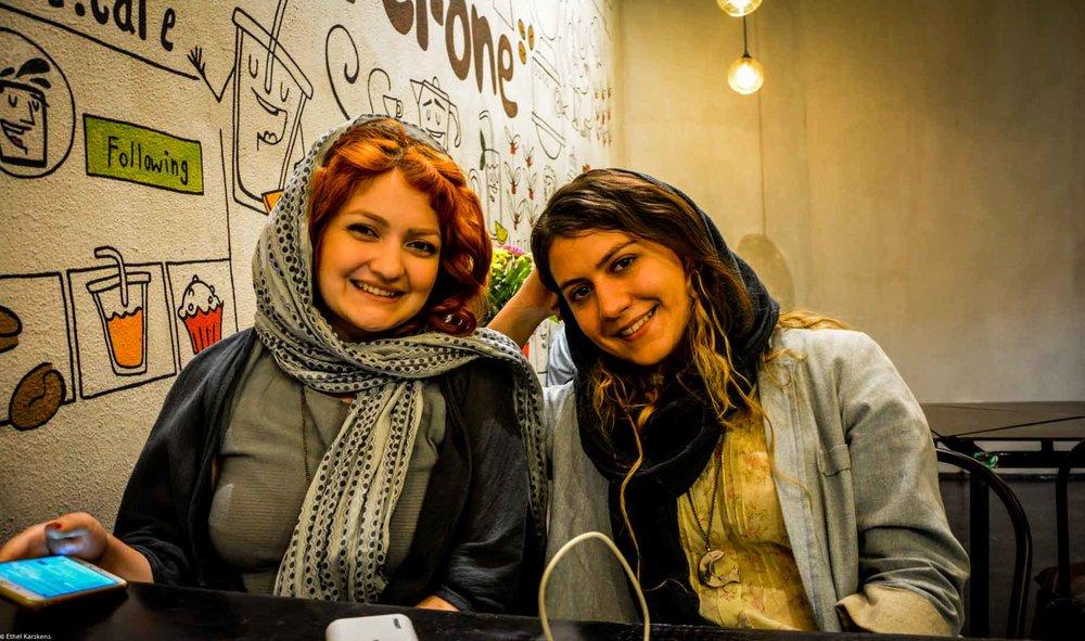 Shaghayegh Jahanbani et Negin Nasiri à la table du Rione