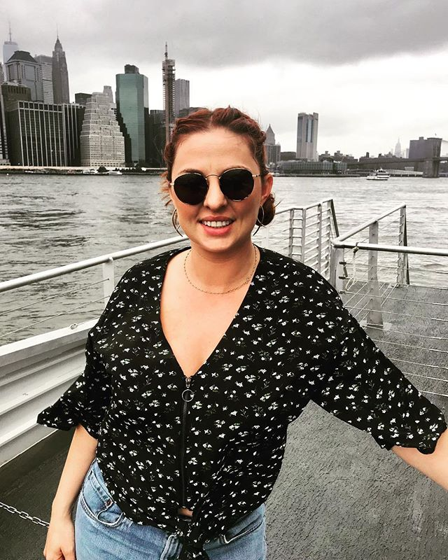 Yacht life 🛳🗽😂 . . . . #nycferry #manhattanview #newyork #adventurehuntress #wannabeyachty #publictransitrider