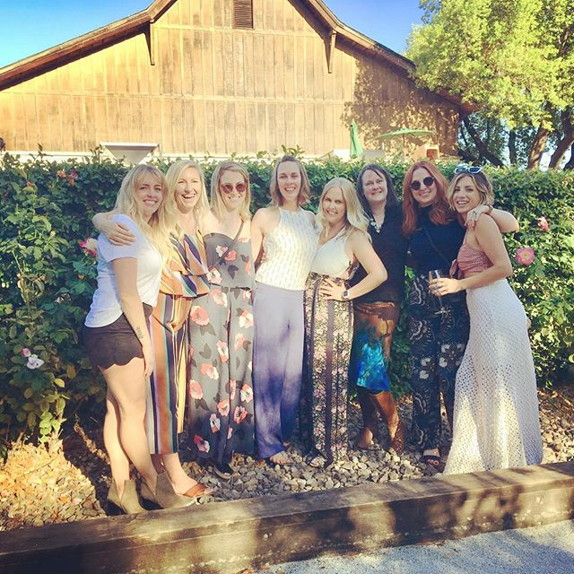 Forget the sundress, in the fall we wear wide leg jumpsuits while wine tasting 🍇 So grateful to have these ladies in my life. . . . . #birthdaywinetasting #sonoma #larsonfamilywinery #imagerywinery #valleyofthemoonwinery #falljumpsuit #ladieswhodrinkwine #squadgoals #adventurehuntress
