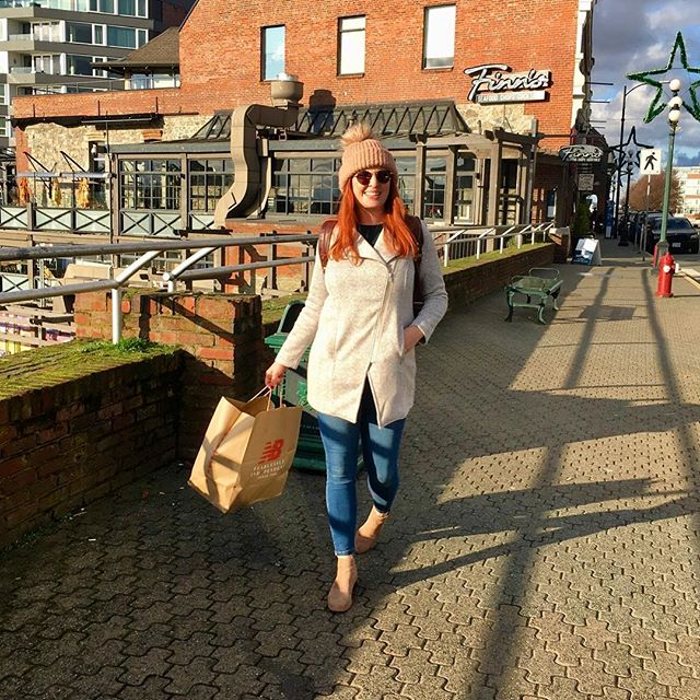 Confessions of a shopaholic . . . . #shoppingspree #victoria #britishcolumbia #canada #adventurehuntress #redheads_of_insta