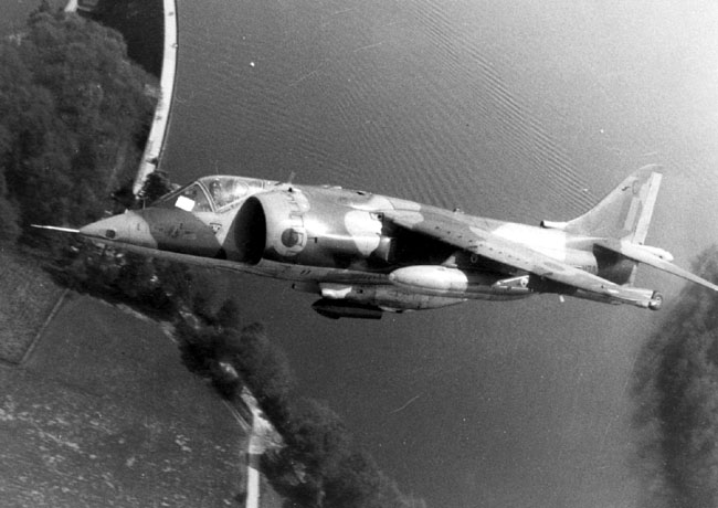 XV782/C of 4 Sqn banks over the Mohne Dam in Germany (MoD)