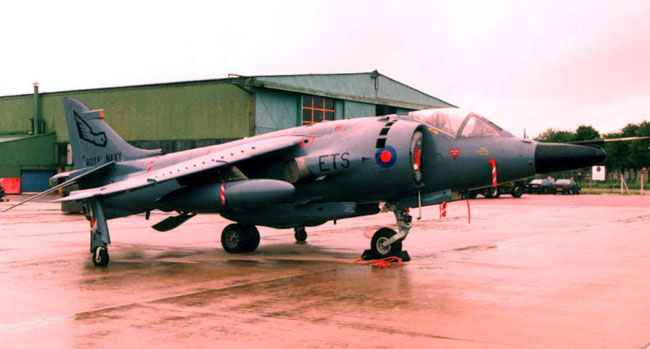 Naval GR3 XZ129 of the Engineer Traiing School, seen here at Yeovilton in 1994 (Author)
