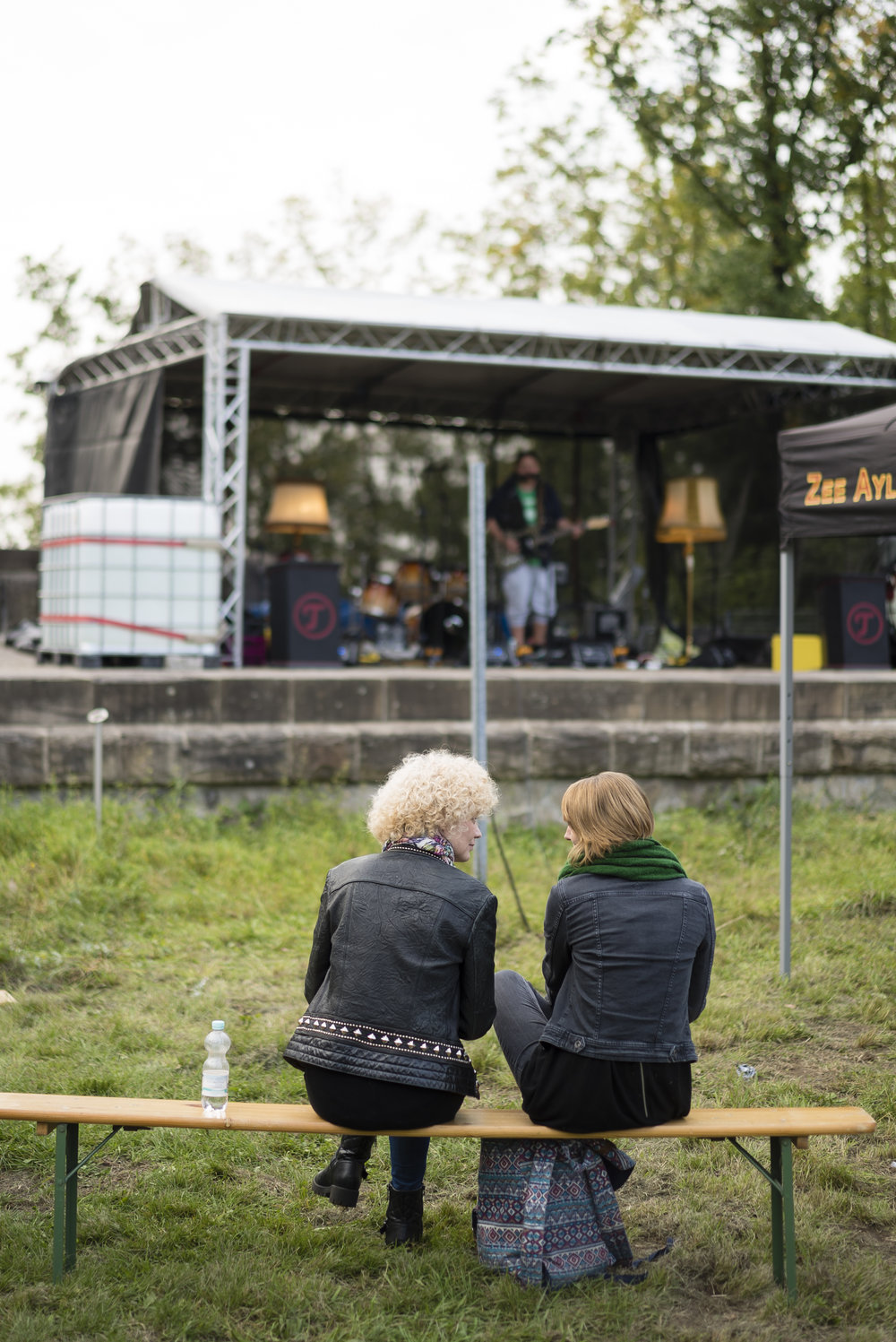 """Die hügeligste Stadt im Pott! - Und auf einem der ,,Berge"""" findet jährlich das besuchenswerte Wehringhauser Schnurlos Festival statt. Dort wird dann mit Akku–betriebenen PAs (also schnurlos – höhö!) angeknüpft an die berühmte Musiktradition der Stadt."""