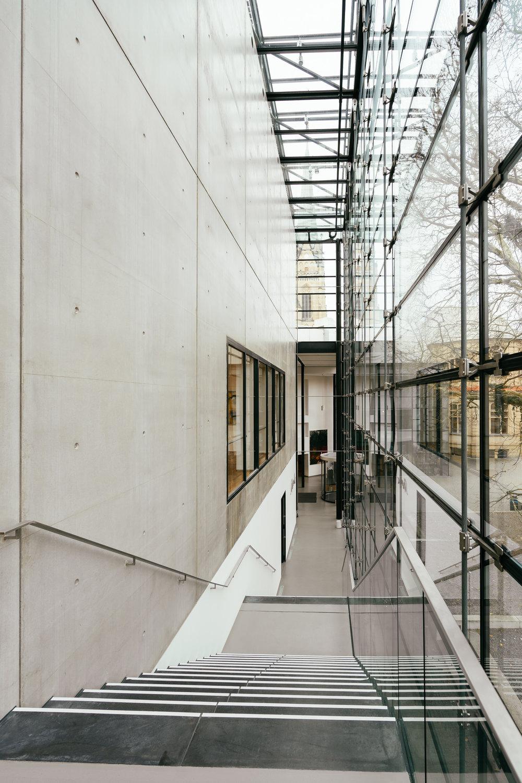 Viel Sichtbeton - gibt's im Emil Schumacher Museum zu bewundern – wir stehen ja total auf schöne Beton–Flächen (man denke nur an Tadao Andō!)! ☻