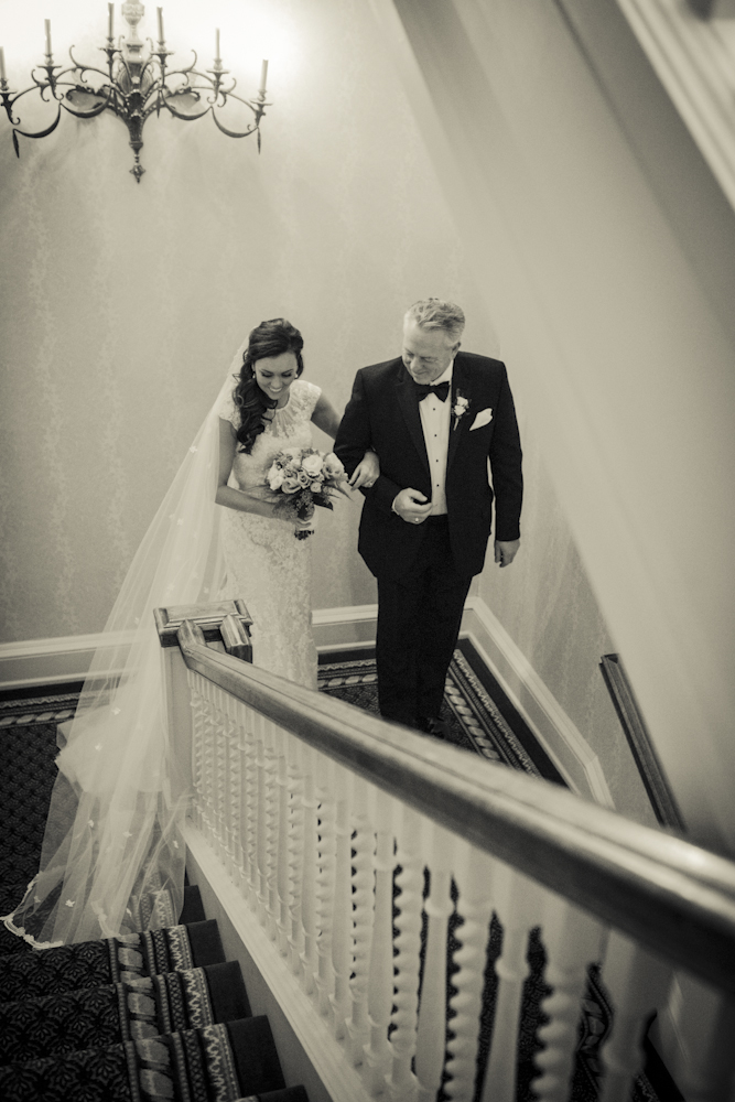 walkingdowntheaisle-fatherdaughter-bride-weddingday