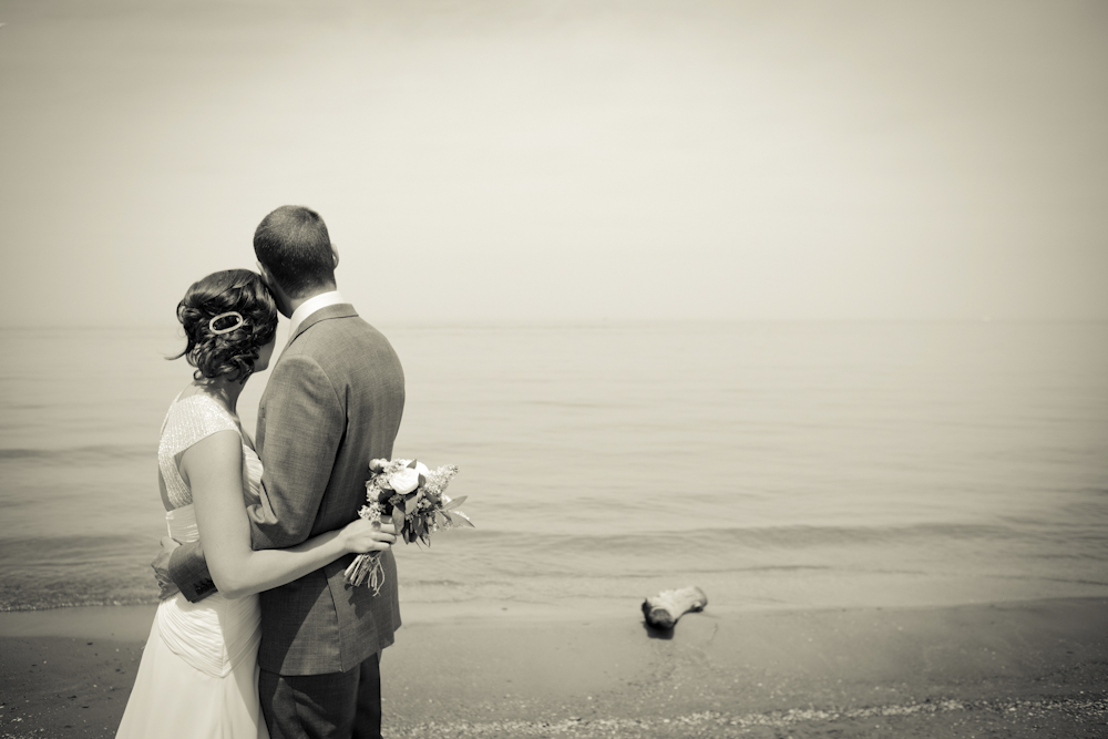 weddinglake-blackandwhite-dramatic-photography
