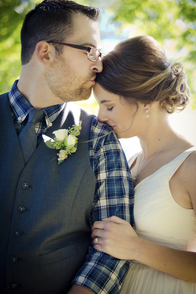 weddingphotos-intimatecouples-octoberwedding