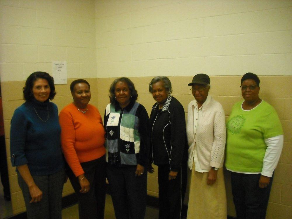 Old L Richardson Neighborhood Residents - 2014.jpg