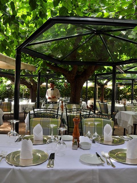 L'Abreuvoire restaurant in Kolonaki, Athens