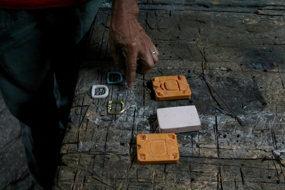 Hardware - The Rodrigues family has been casting brass in Antigua, Guatemala for the last 30+ years.  They maintain generations old artisan techniques making each piece of hardware for Bolso, helping ensure that we provide 100% Made in Guatemalan products, a 100% by artisans.