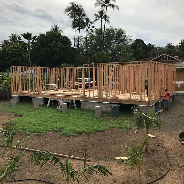 Ready for 2nd floor package tomorrow.  2 steel beams to set with a machine lift and we will be rolling joists 🤠🏋️♂️🤸♂️. . . . #kihei #maui #hawaii #architecture #engineering  #homebuilder #contractor #designbuild #makena #wailea #rixey #design #designer #construction #framing #powpow #goingup #structure