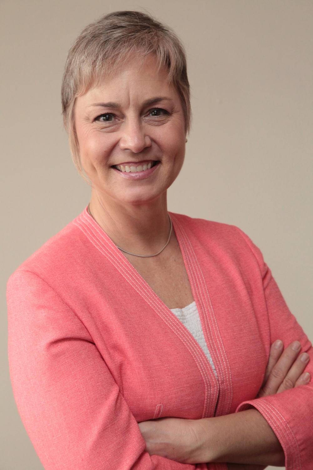 Lynn Ellwood, M.H.Sc.,Speech-Language Pathologist, is an Associate Professor, Teaching Stream,at the University of Toronto. Her Toronto-based private practice focuses on neuro-rehabilitation and accent modification.