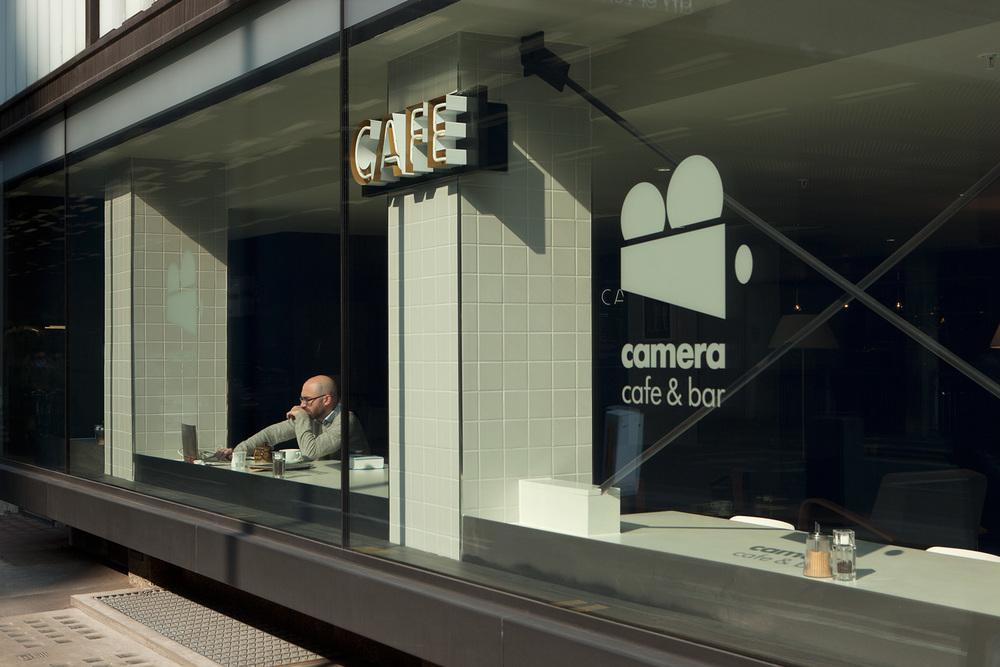 Camera-cafe-&-bar