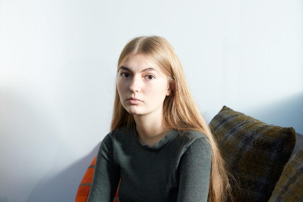 Olivia-Beasley-portraits-Mae-Lee-04.jpg
