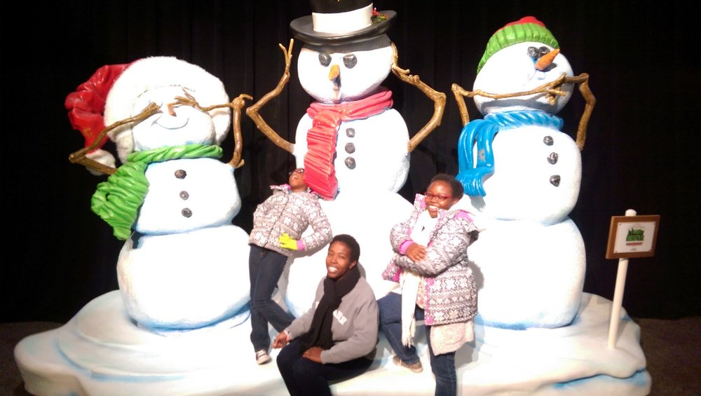 Chilling with the snowmen before heading into the exhibit