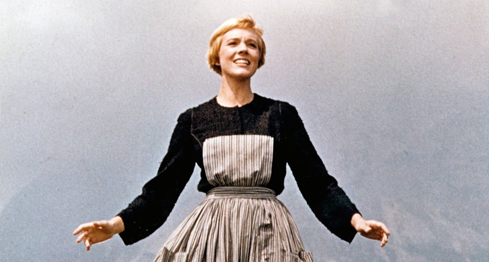 Albumism_JulieAndrews_October_1_1935_1.jpg