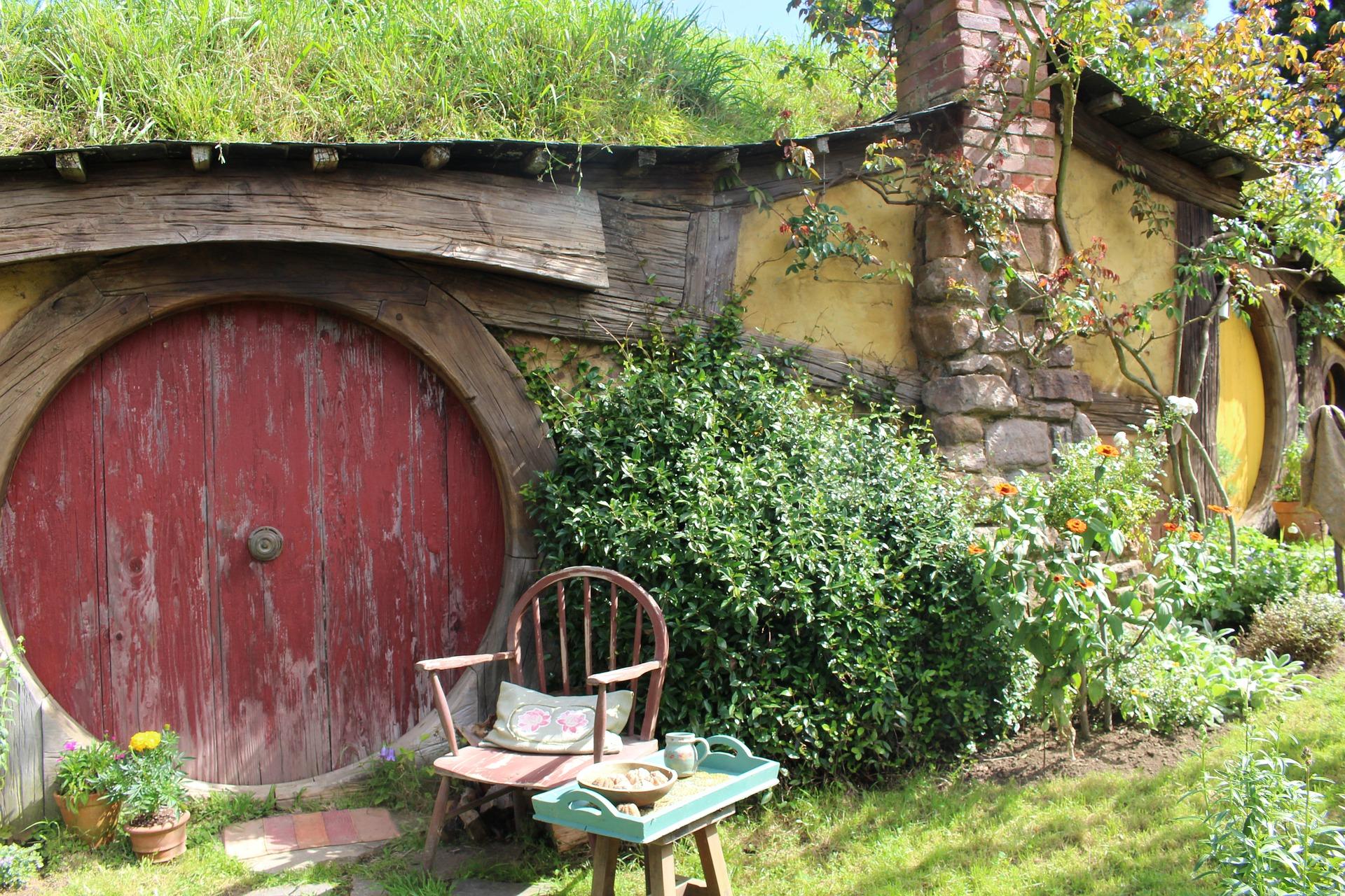 hobbiton-1586978_1920.jpg