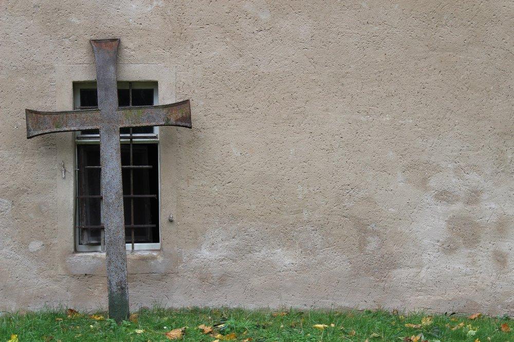 church-2853687_1920.jpg